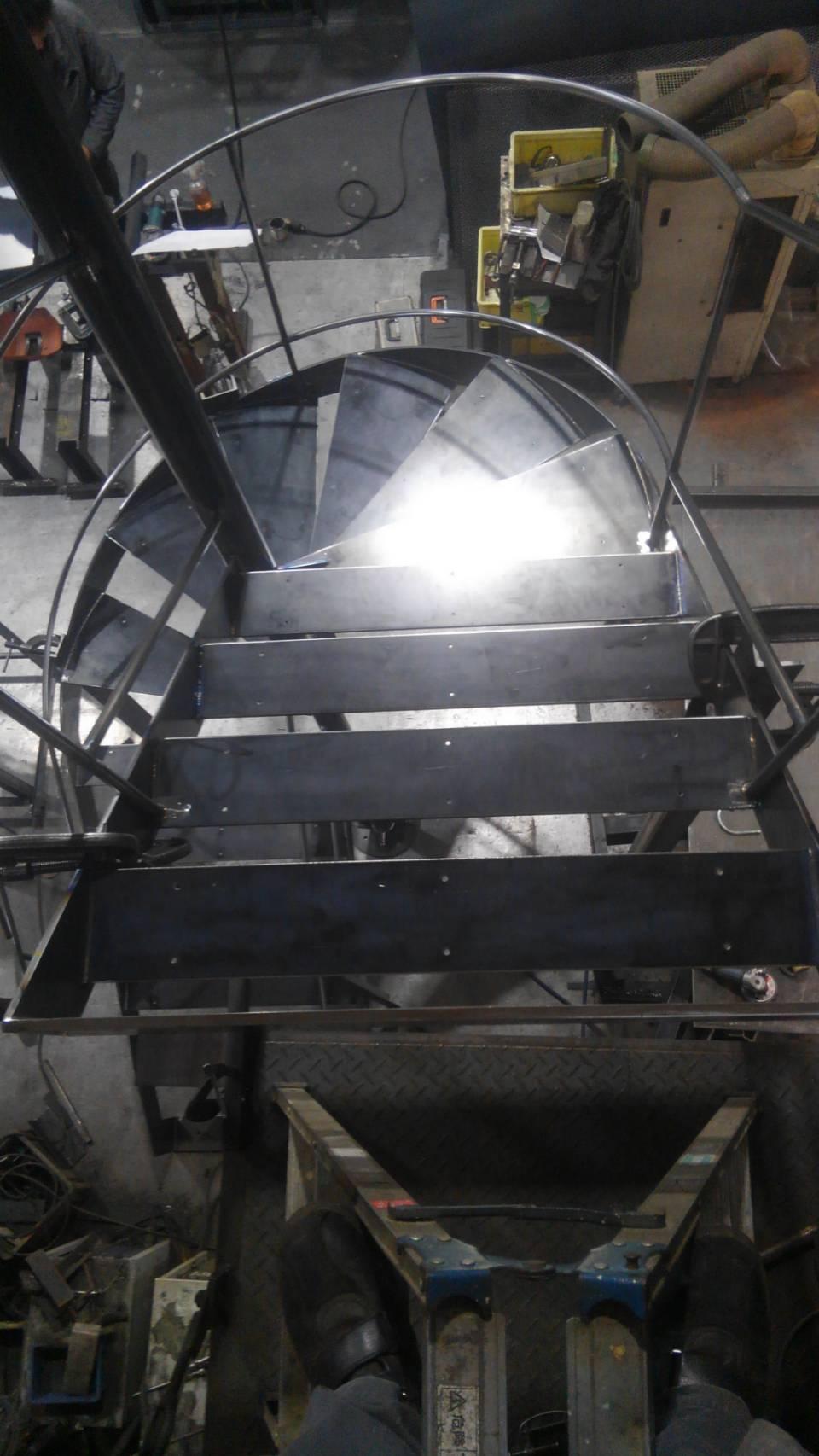 螺旋階段(2)