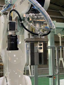 ビジョンカメラ搭載 走行ロボット搬送装置